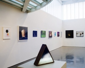 31WomeninPhotography2010-installation view